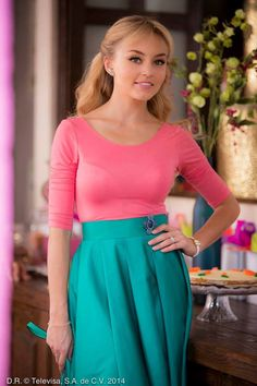 Angelique Boyer Skirt Outfits, Sexy Outfits, Funeral Outfit, Divas, Mexican Actress, Old Hollywood Glamour, Everyday Fashion, High Waisted Skirt, Sexy Women