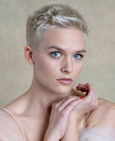 20 Super Short Blonde Pixie Cuts - Love this Hair Blonde Pixie Haircut, Short Blonde Pixie, Short Grey Hair, Short Hair Cuts, Short Hair Styles, Very Short Hair Men, Grey Pixie Hair, Pixie Styles, Fade Haircut