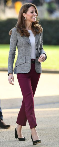 12 Nov 2019 - Shout UK celebration event - A gallery of Kate Middleton's Outfits – Kate's Closet - Source by outfits oficina 2019 Kate Middleton Outfits, Vestido Kate Middleton, Casual Kate Middleton, Kate Wedding Dress, Kate Dress, Style Outfits, Casual Outfits, Fashion Outfits, Blazer Outfits