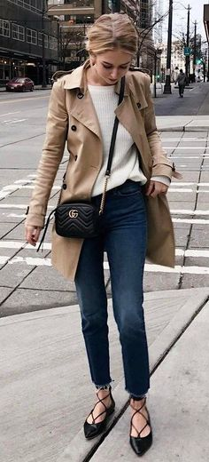 fall casual outfit : nude coat + sweater + bag + skinny jeans + loafers