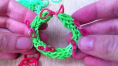 Loom Band Christmas Wreath - cute little Christmas Tree ornaments for the kids to make. Whilst you are there do check out and subscribe to http://www.youtube.com/redtedart