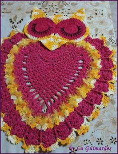 Jogo de banheiro 2 peças em crochê, barbante e bico mesclado , pode ser de outra cor, e se quiser com mais peças (porta papel e caixa acoplada, consultar valores) Tampa do vaso sob medida