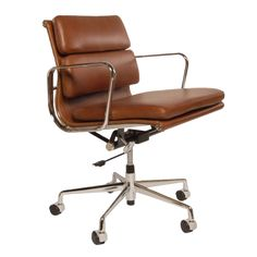 Eames bureaustoel. EA217 Antique. Design Bureaustoelen.
