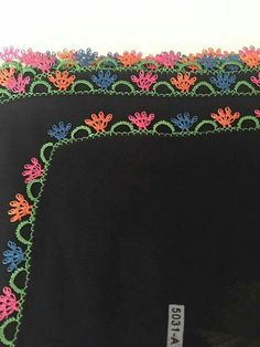 This Pin was discovered by Fik Crochet Edging Patterns, Crochet Borders, Crochet Trim, Crochet Lace, Hand Embroidery, Embroidery Designs, Needle Lace, Lace Making, Knitting Socks