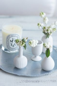 black & white flower (Styling & Photography by Ikumi Miyazaki) http://bianca-candy.jimdo.com/