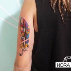 Pluma vitraux #feathertattoo #colortattoo #armtattoo #tattoo #tatuaje #tattoos #iristattoo #palermo #buenosaires #argentina