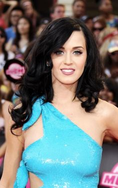 Katy perry, you are an awesome person. I like some of your songs and I'm not your biggest fan, but you seem like a really cool kind hearted person, so thank you.