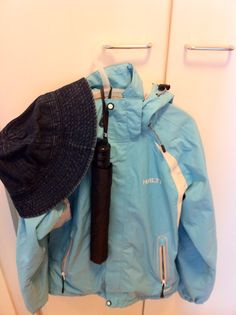 Summer weather protection (yes! that is an umbrella, raincoat and sunhat) Wind And Rain, Summer Rain, Helsinki, Sun Hats, Raincoat, Weather, Jackets, Fashion, Rain Jacket