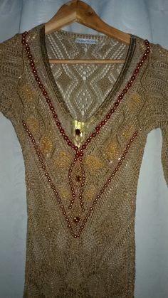 Bordado de Pedrarias em vestido de tricô