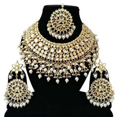 Indian Bridal Jewelry Sets, Bridal Jewellery, Diamond Jewellery, Fancy Jewellery, Jewellery Earrings, Body Jewellery, Beaded Jewelry, Bollywood Wedding, Bollywood Style