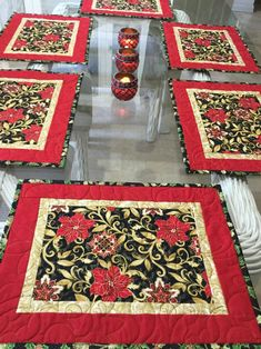 Inspiring points that we really like! Christmas Patchwork, Christmas Quilt Patterns, Christmas Placemats, Christmas Runner, Christmas Sewing, Christmas Table Mats, Christmas Quilting, Table Runner And Placemats, Rag Quilt