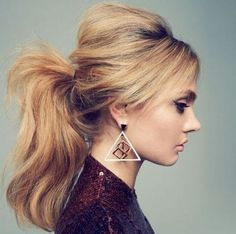 Messy Ponytail with Bump, simple hair style for long hair