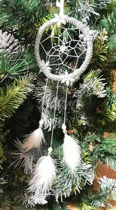 DIY Dreamcather Christmas tree ornament.
