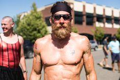James Lawrence a fait 50 triathlons Ironmans dans 50 États en 50 jours. Tout est dit.