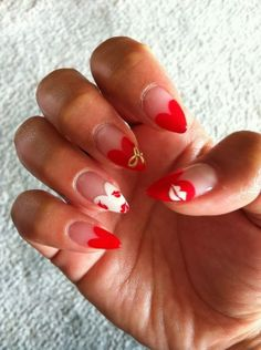 Stunning Valentines inspired nail art!