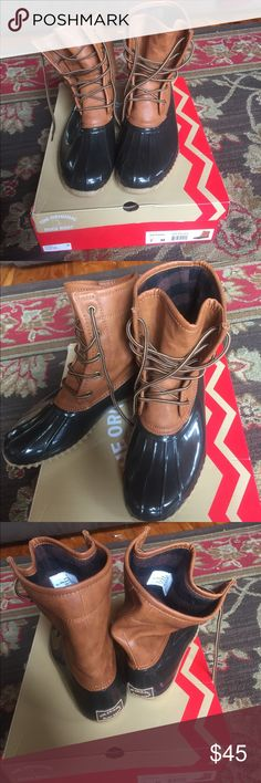 Brand New Original Duck Boots Brand new, but have worn once. No defects. Comes with box. Women's original duck boots brand size 7. Style is arianna. Tan/brown in color with a black/brown buffalo plaid flannel inside design. Shoes Winter & Rain Boots