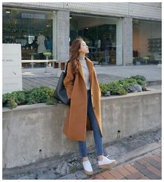 25 Camel Coat Outfits to Stay Sexy and Warm this Winter 25 tenues de manteau camel pour rester sexy et au chaud cet hiver Les … Korean Winter Outfits, Winter Outfits For Teen Girls, Korean Fashion Winter, Cute Winter Outfits, Korean Fashion Trends, Korean Outfits, Cool Outfits, Autumn Fashion, Fashion Ideas