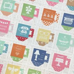 A close up of some of the mugs in my Modern Mugs quilt pattern:) Made with Modern Minis fabric! ✂️✂️✂️ #beeinmybonnet #modernminisfabric #modernminis #modernmugs #iloverileyblake