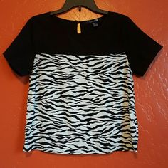 Sale Zebra Top Adorable Zebra Shirt! Great To Wear Anytime! Forever 21 Tops