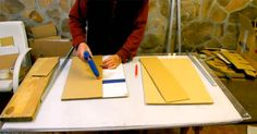 Tento šikovný kutil Santiago vám svojimi návodmi dokáže, že nábytok môže byť vyrobený aj z obyčajného kartónu! Nábytok vyrobený z kartónu. Nápady návody