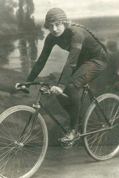- The Benefits of Bike Riding Velo Retro, Velo Vintage, Vintage Cycles, Vintage Bikes, Vintage Sport, Old Bicycle, Bicycle Girl, Old Bikes, Cycling Girls
