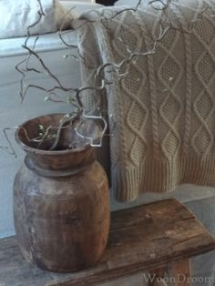 WoonDroom: Weekend Sfeer ... Cosy House, Wooden Bowls, Rustic Interiors, Rustic Charm, Wabi Sabi, Home And Living, Lana, Neutral, Sweet Home
