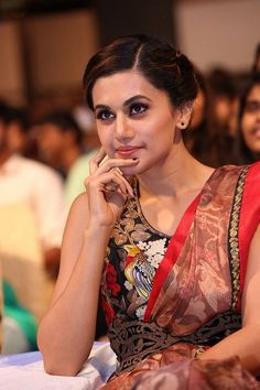 Taapsee Pannu at Anando Brahma Movie Pre Release Event Pics Event Pictures, Event Photos, Taapsee Pannu, Telugu Movies, Bollywood Actress, Desi, Asian Girl, Saree, Actresses