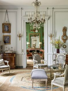 Hall dentrée Grand Salon Bibliothèque Salle à manger Salle de musique Salle de dégustation . French Style Homes, French Country Style, European Style, Home Decoracion, Antique Interior, Neoclassical Interior Design, Classic Interior, French Decor, Beautiful Interiors