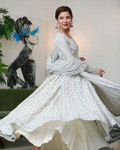 Simple Dresses, Casual Dresses, Frock Fashion, Dress Suits, Girls Wear, Anarkali, Frocks, Pakistani, Photo And Video