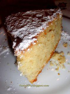 """Γιορτινό κέικ με γλυκό κρασί """"Σάμος""""... η δική μου """"Φωτίτσα""""   Tante Kiki Cheesecake, Sweets, Desserts, Greek, Cakes, Food, Tailgate Desserts, Deserts, Gummi Candy"""