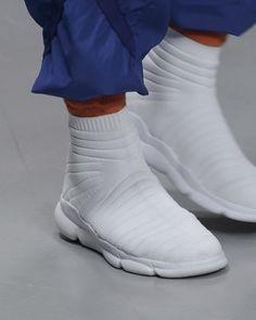 "ConceptKicks (@conceptkicks) on Instagram: ""#ckinspiration   ☁️ @isseymiyake.antwerp ⠀⠀⠀⠀⠀⠀⠀⠀⠀ ⠀⠀⠀⠀⠀⠀⠀⠀⠀ ⠀⠀⠀⠀⠀⠀⠀⠀⠀ #footweardesign #shoedesign…"""