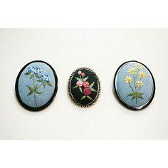 #느낌자수 #자수브로치 #브로치 #바비아줌마 #프랑스자수 #자수 #야생화자수 #서양자수 #handmade #embroiderydesign #embroidery #handembroidery #brooch #embroiderybrooch  오늘 만든 브로치 3개....이제 숙제 해야지~^^