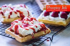 CHRUPIĄCE GOFRY Polish Recipes, I Foods, Waffles, Breakfast Recipes, Recipies, Cheesecake, Food And Drink, Cooking Recipes, Sweet