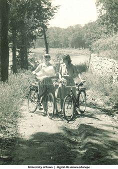 VELOCIPEDE~Vintage Cyclists
