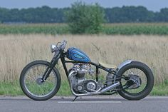 Google Image Result for http://3.bp.blogspot.com/-YDkHzrc856Y/Te8ps4GDywI/AAAAAAAAAKI/gn_Q6V1NyLE/s1600/pas-bobber-triumph.jpg