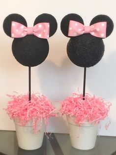 """minnie mouse This listing is for one Minnie Mouse inspired Centerpiece. There are 2 size options available- """"H x """"W or x """"W. The Minnie head is painted black on Styrofoam with a Minnie Mouse Birthday Theme, 2nd Birthday Party For Girl, Minnie Mouse Baby Shower, Princess Birthday, Birthday Kids, Mickey Y Minnie, Pink Minnie, Mickey Cakes, Minnie Mouse Cake"""