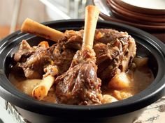 Quite shankles. Hester Fourie from Vanderbijlpark has her recipe for this fragra… Quite shankles. Hester Fourie from Vanderbijlpark has her recipe for this fragrant … – South African Recipes – Oxtail Recipes, Pot Roast Recipes, Lamb Recipes, Meat Recipes, Vegetarian Recipes, Cooking Recipes, Recipies, Salad Recipes, South African Dishes