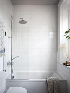 5 Major Areas To Consider While Designing Your Walk In Shower – Home Dcorz Diy Bathroom, Bathtub Shower, Shower Room, Bathroom Decor, Bathroom Vinyl, Interior, Bathrooms Remodel, Bathroom Renovations, Bathroom Design