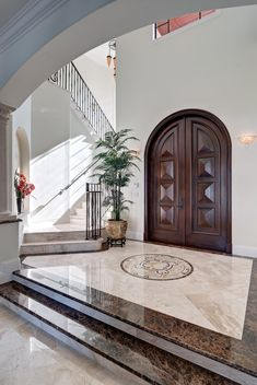 16 Neat Mediterranean Entryhall Designs You'll Want To Be Greeted By 16 gepflegte mediterrane Design Marble Flooring Design, House Design, Foyer Design, Home, House Entrance, House Interior, House Designs Exterior, Home Interior Design, Stairs Design