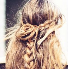 Hairstyle How-to Rose Bun Braid | amominredhighheels.com