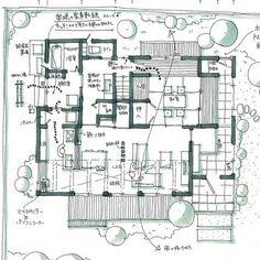 mioさんはInstagramを利用しています:「土間からも行ける和室のある家。 ✳︎ 仏間のある和室なので、ちょっとしっかり目の和室になっています。 来客用にも使えるようにトイレも近い位置に。 敷地が広めだったので、東側、北側にも和室から見えるお庭を作ってます。 ✳︎ ✳︎ ✳︎…」