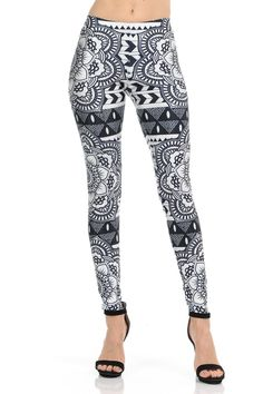 Don't you love these trendy Monochrome Tribal Mandala Leggings? We sure do! Black Leggings Outfit, Tribal Leggings, Black And White Leggings, Black And White Fabric, Legging Outfits, Tokyo Fashion, India Fashion, New Fashion, Street Fashion