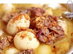 Terik Daging Sapi Tahu Telor langsung Enakk :D resep Keluarga recipe step 3 photo Indonesian Cuisine, Indonesian Recipes, Beef Recipes, Cooking Recipes, Malay Food, Recipe Steps, Lunch Menu, Food And Drink, Yummy Food