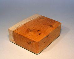 Madera de Tejo a mano la caja del tesoro por por TomThumbDesigns