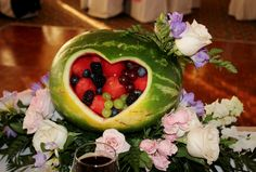 Decoration and dessert at the same time. Edible Centerpieces, Watermelon, Dream Wedding, Fruit, Decoration, Desserts, Food, Decorating, Meal