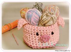 Amigurumi Doraemon - Reto Handmade - Little Kimono Handmade ❣ Crochet Pig, Crochet Bowl, Crochet Fabric, Fabric Yarn, Crochet Purses, Crochet Patterns Amigurumi, Cotton Cord, Knit Basket, Crochet Needles