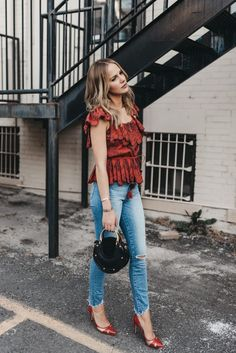 My favorite Bohemian Inspired Designer as of lately is Sea New York. Angie Harrington styles the Fiona flutter sleeve top paired with Paige Hoxton Jeans Fall Fashion Outfits, Casual Fall Outfits, Spring Outfits, Trendy Outfits, Love Fashion, Autumn Fashion, Style Fashion, Spring Fashion, Fashion Tips For Women
