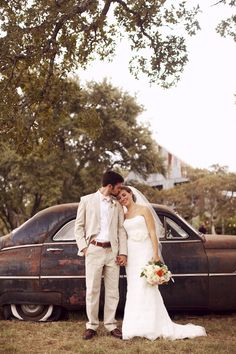 This Texas ranch wedding from ee Photography is all things rustic-chic and more. The gorgeous Vista West Ranch , breathtaking florals and p. Perfect Wedding Dress, Dream Wedding, Wedding Day, October Wedding, Summer Wedding, Diy Wedding, Wedding Couples, Wedding Pictures, Wedding Images