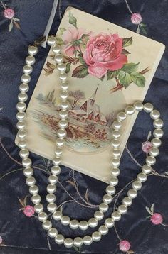 A pearl necklace would be a beautiful gift for bridesmaids