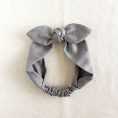 【Baby】 Gaze zu Band Abando Source by misismacam Homemade Headbands, Sewing To Sell, Frocks For Girls, Diy Hair Accessories, Headbands For Women, Baby Bows, Little Girl Dresses, Baby Sewing, Diy Hairstyles